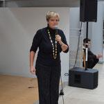 Gloria von Thurn und Taxis kündigt den Star persönlich an