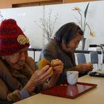 鑑賞の後は (#^.^#) 手作りパンとコーヒーのおもてなしを頂きました。 感謝!!
