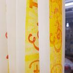 die Farbe der Falze direkt auf Papier gewalzt