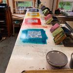 Farbe für Farbe wird gedruckt