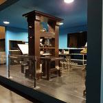 Die große Gutenbergpresse aus Holz als Nachbau,