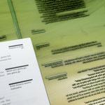 Das Druckergebnis links neben der Polymerplatte, Foto @p98a