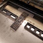 das Bauen der Form auf dem Drucktisch