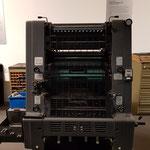 eine weitere Druckmaschine, an der