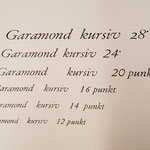 West-Garamond kursiv in größeren Graden