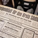 Ein historischer Band alter Zeitungen
