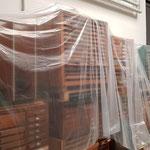 Unmengen von Schrift- und Setzkästen freuen sich auf Nutzung