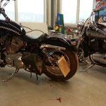 Harley Davidson Sportster und Kawasaki VN800