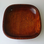 wooden plate of finished with wipe-lacquer
