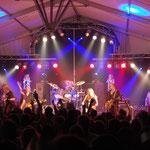 Bühnenaufbau & Beleuchtung für die Rodgau Monotones
