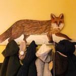 """ein """"starker"""" Fuchs bringt Ordnung in die Kleidung meines Enkelsohnes"""