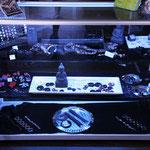 Kugeln, Epoxyschmuck, Armbänder, Septumschmuck u.v.m