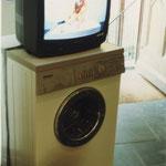 Ist Wäsche gesprächig?  Raum- und Videoinstallation