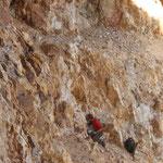Arbeit an einer kleinen Quarzkluft, Champions Mine, White Mts. CA
