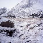 Frostige Morgenstimmung beim Aufstieg, Val Surplattas, Disentis, GR