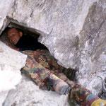Arbeit in grösserer Kluft beim Gletscher, Val Surplattas, Disentis, GR