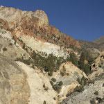 Blick hinauf zum Eagles Mining Camp und der Champions Mine, White Mts. CA
