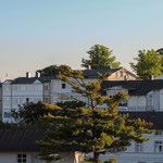 Die Altstadt kurz vor Sonnenuntergang. Links die Villa Fernsicht.