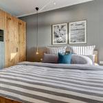 1. Schlafzimmer mit Doppelbett - 1,80m breit