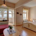 Wohn- Schlafzimmer mit Meerblick