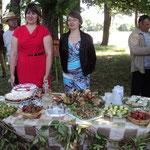 Станиславовский сельский Совет. Библиотекарь Наталья Другакова (первая справа)