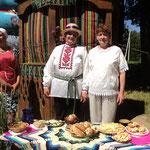 Германовичский сельский Совет. Библиотекари Ирина Ходанёнок (вторая справа) и Алла Пуговка (первая справа)