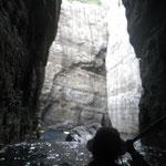 下甑・コシ瀬 裏口洞窟からの内部への入り口