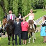 Nach der Trauung im Gersfelder Schlosspark