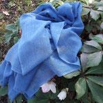 Echarpe laine et soie teintées à la main avec le pastel