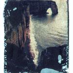 """Série Etretat 2000, """"Contre jour sur la MannePorte"""", 1/10, transfert d'image, © Annick Maroussy"""