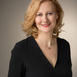 Hermine Haselböck, mezzo-soprano 2018 (by Kurt Pinter) - Portrait 2