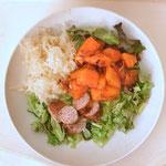Salade bowl met zuurkool, pompoen en Gelderse ambachtelijke worst