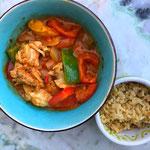 Indiase curry met paprika en kippendij