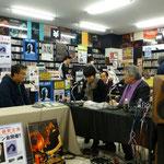 写真右:行方均氏(ユニバーサルミュージック副社長)