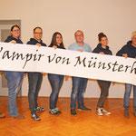 TF 2020 - Der Vampir von Münsterhausen - Gruppe mit Banner