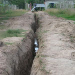 Graben für die Bewässerungsanlage