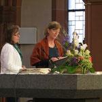 Frau Kottemer und Frau Polten haben den Gottesdienst vorbereitet.