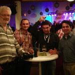 Pastoralreferent Ralf Albensoeder mit der Gruppe der Kosovaren
