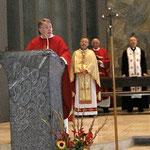 Pfarrer und Dekan Rolf Glaser bei der Begrüßung