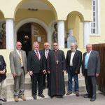 Nach dem Festgottesdienst mit dem griechisch-katholischem Pfarrer Costeao
