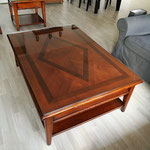 Ingelegde massieve salontafel opgeknapt en voorzien van een glasplaat Zwolle