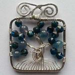 perline in vetro e filo argentato