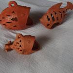 poissons photophores poterie: petit (façonné main): 8€.Moyen (moulé) 12€. Grand(façonné main):16€
