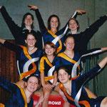 Weihnachtsturnen 2004 - P3 P4 P5 (hinten Susanne Zoe Judith / Mitte Alina Lou Manuela/ vorne Rahel Nadia)