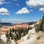 Hier haben wir ein wunderschönes Abbild von der sehr Eindrücklichen Landschaft in den Canyons ( zu Deutsch Schlucht/Talform )