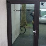 Spiegelglasfolie oder auch Spionfolie, einseitige Durchsicht, Bsp. aus Neu-Isenburg, Kreis Offenbach