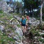 Steiler Abstieg von den Aiguilles de Baulmes