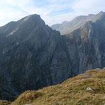 Die steilen Plattenwände des Forca di Casseo
