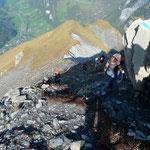 Aufstieg zum Mittetaghorn, in der Tiefe Elm