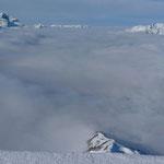 Blick über das Nebelmeer zum Glärnisch